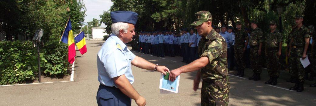 """Festivitatea de absolvire a cursului """" Programul de formare iniţială a soldaţilor şi gradaţilor profesionişti, cu specialitatile  radiolocaţie şi rachete / artilerie antiaeriană"""""""